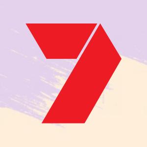 seven logo bg